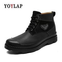 botas negras de cuero para hombre al por mayor-YOYLAP marca Classic Suede Leather Men Winter Boots negro Keep Warm Fashion hombres Snow Boots zapatos de invierno de alta calidad de la vendimia