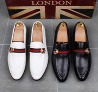 zapatos de estilo británico al por mayor-Moda de alta calidad para hombre High Top estilo británico Rrivet Causal zapatos de lujo de los hombres rojo oro zapatos inferiores negros zapatos de vestir hombres dha15