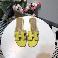 Wholesale custom wedges shoes - 2018 New Paris Fashion Show Italian Luxury Brand Genuine Leather Custom Ladies & Flats Fashion Trends Women Casual Shoes & Loafers shoes