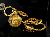 14k altın mektup kolye toptan satış-Lüks En Kaliteli Ünlü tasarım Mektubu Altın Kafa kolye Moda Metal Mektubu Altın Kolye kolye Takı Kutusu Ile