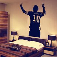 vinylwandplakate großhandel-60 * 42 cm Messi Wandtattoo Poster Jungen Zimmer Fußball Fußballspieler Argentinien Leo Kreative Vinyl Wandtattoo Wandhauptdekor