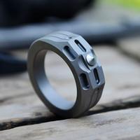 ingrosso anelli in titanio di tungsteno-Titanio TC4 Anello 20mm / 22mm Diametro pietra lavata superficie 6g / 8g con tungsteno tallone emergenza martello EDC difesa personale Knuckle Duster