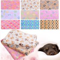 battaniye pençe baskılar toptan satış-Yeni 76 * 52 cm için Pet Battaniye Paw Baskılar Battaniye pet kedi ve köpek Yumuşak Sıcak Polar Battaniye Mat Yatak Örtüsü IB304