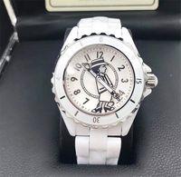 zafiro cuarzo ceramico negro al por mayor-Nueva dama blanco / negro de cerámica de zafiro espejo de cristal relojes de alta calidad de moda de cuarzo exquisitos relojes de pulsera de mujer