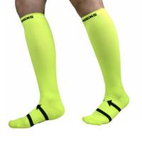 correndo maratonas venda por atacado-LOGOTIPO personalizado Meias De Compressão Para Homens E Mulheres Maratona Equitação Esportes Ao Ar Livre Meias De Futebol Correndo Socking FBA G455Q Transporte da Gota