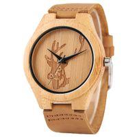 mejor correa de cuero marrón al por mayor-Tallado Elk Head Design Reloj para hombre Reloj de pulsera de cuarzo de madera Correa de cuero marrón El mejor regalo de Navidad