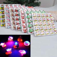 insignias de luz de navidad al por mayor-Niños Chica Niños Jelly LED Light Up Flashing Party Broche Insignia Adornos de Navidad Papá Noel