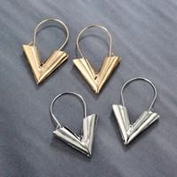 v gold brief großhandel-Neue Mode Einfache V Ohrringe für Frauen Persönlichkeit Mode Einfache Metall Brief V Wort Ohrstecker