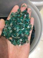 ingrosso pietra verde per la decorazione-Pietra di cristallo naturale, particelle di ghiaia irregolare, particelle di ghiaia irregolare di agata verde, decorazione di acquario, decorazione domestica.