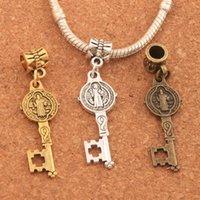 ingrosso grande chiave antica-100 pz / lotto san benedict medaglia croce chiave della lega grande foro perline argento antico / bronzo / oro ciondola b1640 12.5x43mm