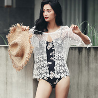 de54a38b4 Traje de baño de las mujeres de encaje hueco Crochet Cover Up Sexy Beach  Bikini traje de baño verano blanco negro vestido de playa