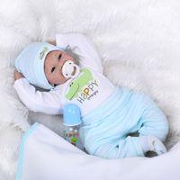 lebensechte babypuppen großhandel-22 zoll 55 cm Reborn Kleinkind Baby Puppe Junge Lächelndes Baby Puppe Silikon Körper Boneca Mit Kleidung Lebensechte Nette Geschenke Spielzeug