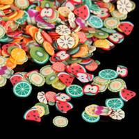 fimo polímero arcilla fruta al por mayor-1000 Unids / bolsa Nail Art Polymer Clay Canes Fruit fimo slice Set Gel Polish Tips Moda DIY Lindo Verano Sandía Decoración Calcomanías Kit