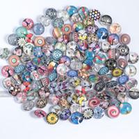 düğme güzel toptan satış-Toptan-100 Adet / grup Güzel Çiçek Hayvan Snap Düğmesi 18 MM Yuvarlak Cam Vahşet Takı Çiçek Yapış Charm Fit Yapış Bilezik
