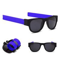 lunettes pliantes pour femmes achat en gros de-Lunettes de soleil femmes Slap lunettes de soleil Hommes polarisé Slappable Bracelet Bracelet Fold Shades Mode Miroir Oculos Lunettes De Soleil GGA134 50PCS