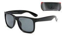 ingrosso ottimi occhiali da vista-1 pz Spedizione gratuita Nuovo Top Quality molti colori Uomo Donna Justin Occhiali da sole Occhiali da vista Occhiali da vista Occhiali da sole Con custodia La migliore vendita.