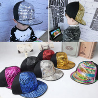snapback retail al por mayor-2015 Retail Kids Gorras de béisbol Non-mainstream remache Hip hop Cap snapback sombreros Baby Boys Girls Enarboló la tapa
