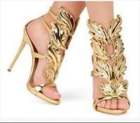 ingrosso sandali neri ali d'oro-2017 Designer Flame metal leaf Wing Sandali con tacco alto Oro Nude Black Party Events Shoes Size 35 to 42