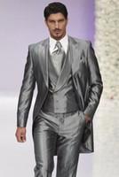gri ustura stilleri toptan satış-Sabah Tarzı Erkekler Düğün Smokin Gümüş Gri 3 Parça Suit Tailcoat Mükemmel Erkekler Yemeği Balo Parti Elbise (Ceket + Pantolon + Kravat + Yelek) 1174
