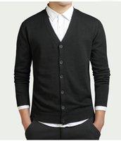 mens camisola de malha solta venda por atacado-Camisola de algodão Homens Manga Longa Cardigan Mens Blusas de Decote Em V Solto Botão Sólido Fit Tricô Estilo Casual Roupas Nova Alta Qualidade Novo
