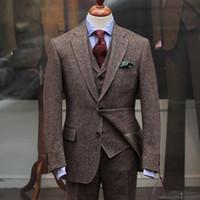 neue design drei stück anzug großhandel-Woll Hochzeit Männer Anzüge für Bräutigam Smoking Revers Drei Stück Neue Design Jacke Hosen Weste Männlichen Blazer