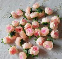 ingrosso teste di boccioli di rosa-Fiori artificiali Teste fiori artificiali di rosa artificiale del germoglio di rosa per le decorazioni di nozze Fiori di seta del partito di Natale