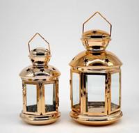 şamdanlık feneri toptan satış-Asılı Fener Mumluk Hollow Tutucu Tealight Şamdan Vintage Altın Fas Mum Fenerler Ev Düğün Dekorasyon