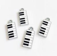 accesorios para piano al por mayor-10 unids Esmalte Piano Colgante Encantos Encantos Accesorios de BRICOLAJE Tiras de Teléfono Pulsera Cinturón Etiquetas Collar Llavero