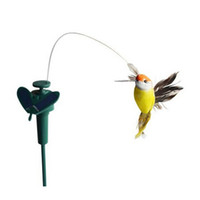 ingrosso decorazioni del colibrì-Wholesale-LeadingStar Funny Solar Toys Flying Fluttering Hummingbird Flying Powered Birds Colore casuale per la decorazione del giardino Vendita calda