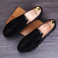 2018 New Style Dandelion Spikes Flat Leather Shoes Rhinestone Fashion Mens  Loafers Dress Shoes Slip On Casual Diamond Pointed Toe Shoes Z649 aefebef0f4db