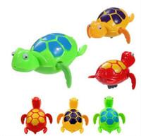 ingrosso vasca da windsurf vento giocattoli-Nuovo 2018 Wind up nuotare tartarughe divertenti tartarughe animali piscina giocattoli per i bambini del bambino tempo di bagno spedizione gratuita