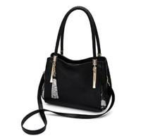 e0a96f66633 Cuero genuino de las mujeres de cuero suave Marca de moda Bolsas de  mensajero Mujer Bolso grande Totes Bolsos Crossbody