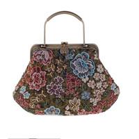 bolsas de lana hechas a mano al por mayor-Bolso bandolera de lana hecho a mano en forma de flor Regalo Retro Shabby Chic inspirado elegante bolso de la cerradura del beso