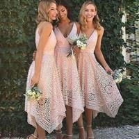 v boy asimetrik gelinlik toptan satış-Pembe Düzensiz Yüksek Düşük Balo Parti Elbiseler V Boyun Asimetrik Kısa Gelinlik Modelleri 2018 Bohemian Dantel düğün konuk Elbiseleri Parti törenlerinde