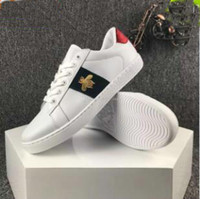 Wholesale beading star - 2017 New Designer Luxury white Leather Tiger Bees Love Heart Stars Embroidered Flat low Casual Shoes lovers sneakers for Mens Womens 36-44