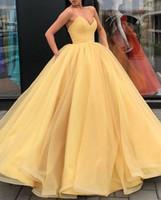 4d0879c96 Vestido de fiesta amarillo Vestidos de baile Vestidos de noche Sin tirantes  con espalda abierta Cubiertos con cordones Vestidos de graduación 6to grado  Para ...
