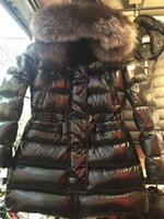 abrigos largos de piel de zorro al por mayor-2019 M Mujeres Chaqueta larga con cuello de piel de zorro plateado Abrigo con capucha Parka gruesa de invierno con capucha