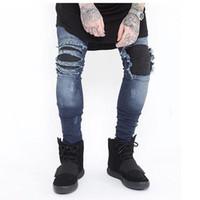 jeans stretch branco venda por atacado-Jeans Skinny Homens Rasgado Branco Preto Magro Estiramento Buraco Afligido Mens Jeans Motociclista Médio Lavar Streetwear Hip Hop Calças Basculador