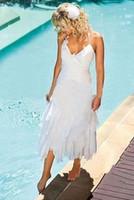 boho çay elbisesi toptan satış-Kısa Bohemian Plaj Gelinlik Halter Boyun Çay Boyu Ucuz 100 Altında Yaz Boho Tarzı Beyaz Şifon Gelin Önlükler