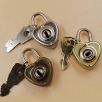 ключ от замкового ключа оптовых-Старинные формы сердца романтический античный стиль мини Archaize замки ключевой замок с ключом День Святого Валентина подарок ZA5972