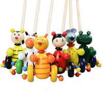 mini tahta trenler toptan satış-Karikatür Bebek Eğitim Yürüyüşü Eğitim Pushing Hayvanlar Yürüyor Mini Hayvan Araba Oyuncak Sevimli Mini Ahşap araba Bulmaca Rastgele Renk