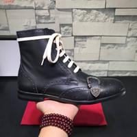 botas italianas hombres botas al por mayor-Queercore brogue boot zapatos punk con cordones para hombre moda vintage italiano de lujo de los hombres zapatos con una hebilla de cabeza de tigre tachonada botas