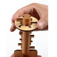 inteligência para adultos venda por atacado-Brinquedo de madeira Desbloqueio Chave Do Enigma Clássico Engraçado Kong Ming Bloqueio Brinquedos Intelectual Educacional Para Crianças Adulto Inteligência brinquedos C4514