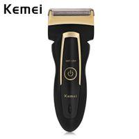бритвы для мужчин оптовых-Kemei аккумуляторной Rotary Мужская электробритва с Близнеца Heads штепсельной вилкой EU Портативных возвратно-поступательная электробритвой для путешествий дома