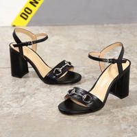 siyah platform elbise sandaletleri toptan satış-Tokalar Kadınlar Kalın Topuklu Sandalet 2018 Siyah Beyaz Kadın Elbise Parti Sandalet Bayanlar Gladyatör Sandalet Düğün Yaz Ayakkabı Zapatos