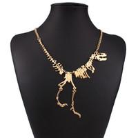 cadenas funky al por mayor-Venta al por mayor nuevo estilo punky gótico Tyrannosaurus Rex esqueleto dinosaurio collar hueso Funky cadena colgante color plata