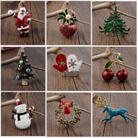 noel ağacı pimi toptan satış-Noel Baba Için alaşım Noel Broş Pin Toka Xmas Ağacı Kardan Adam Çelenk Broş Kadınlar Için Giyim Charm Takı Aksesuarları HH7-1862