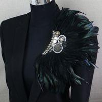 tüy corsages düğün toptan satış-Yaka Çiceği Klipler Yaka Broş Pin Düğün Bussiness Suits Ziyafet Broş Siyah Tüy Çapa Çiçek Korsaj Parti Bar Şarkıcı