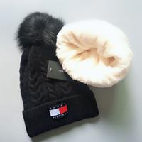 Nuovo cappello invernale per donna uomo berretto con pompon pom pom beanie donna  uomo caldo berretto in pelliccia berretti ragazza ragazzo berretto cappelli  ... 9e97992a136a
