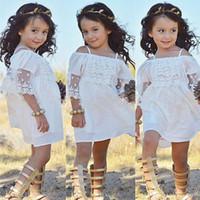 off beyaz kız elbiseleri toptan satış-Butik Kız beyaz dantel elbiseler Braces elbise Kapalı Omuz 100% Pamuk Plaj elbise Çocuk Kız giyim 2018 Yaz yeni stil